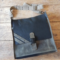 leather-bag-petrol-with-stripes