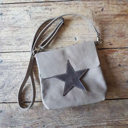 leather-bag-sand-with-star