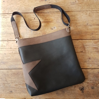 leather-shoulder-bag-with-star